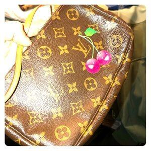 New unused Louis Vuitton Bag.
